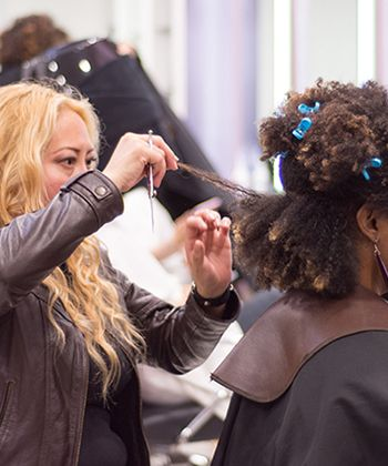 Say Hello to Urban Curls, Mexico City's First Salon Dedicated to Only Curly Hair!