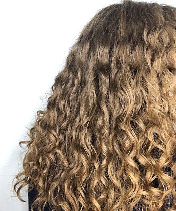 How the Curly Girl Method Makes My Wavy Hair More Defined