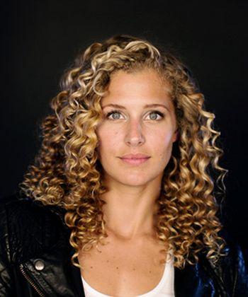 What Olympic Snowboarder Lindsey Jacobellis Uses on Her Curly Hair