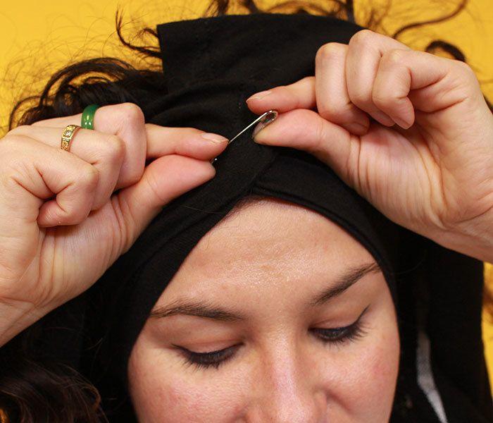 safety pin tshirt turban