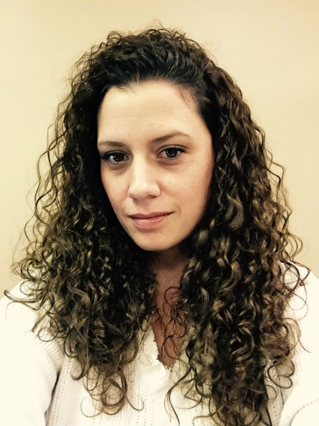 5 Ways To Get Those Straight Pieces To Curl Naturallycurly Com