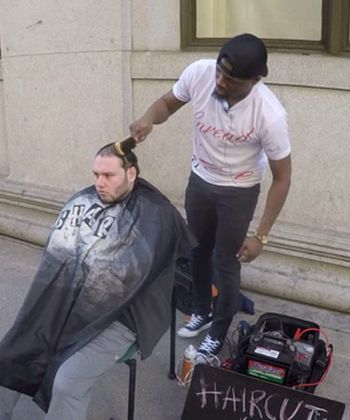 This Barber Was Just Given a Shop After Donating Haircuts to the Homeless