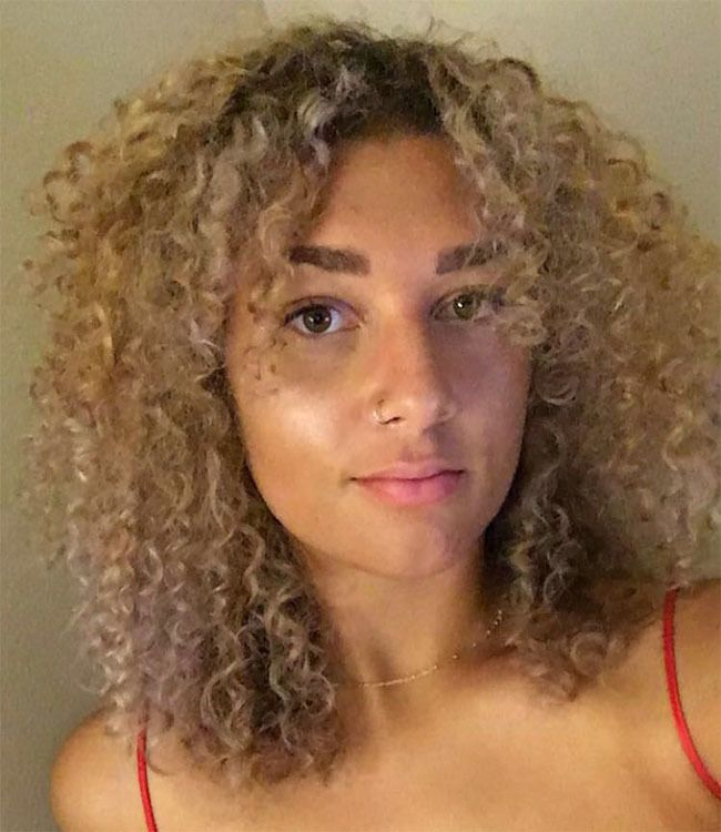 Curtain Bangs Are Fall S Biggest Hair Trend According To Pinterest Naturallycurly Com