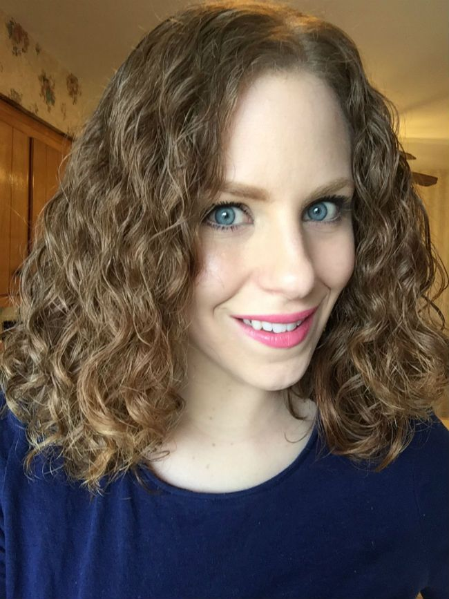 how to style naturally wavy hair 8 things that will always disrupt your curl pattern 1567