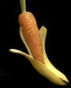 DIY Banana Carrot Mask for Dry Scalp & Hair
