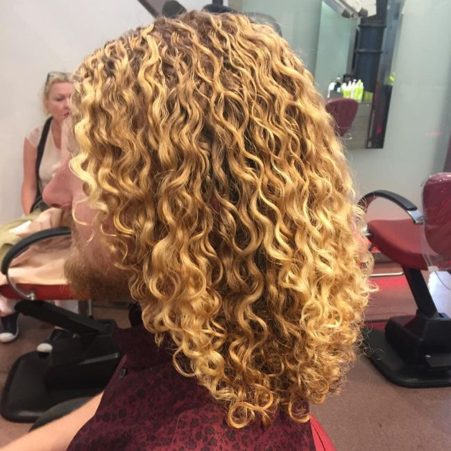 650x650 mia devacurl beach waves
