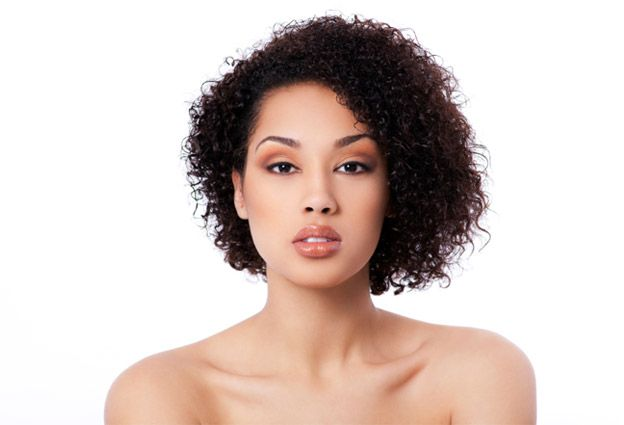 Best curly hair styles for round faces naturallycurly medium curly hair styles winobraniefo Choice Image