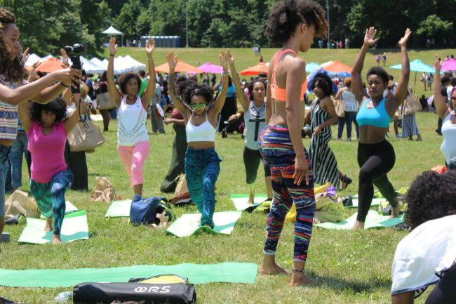 yoga at curlfest 2016