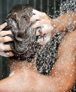 3 Myths About Washing Your Hair With Cold Water