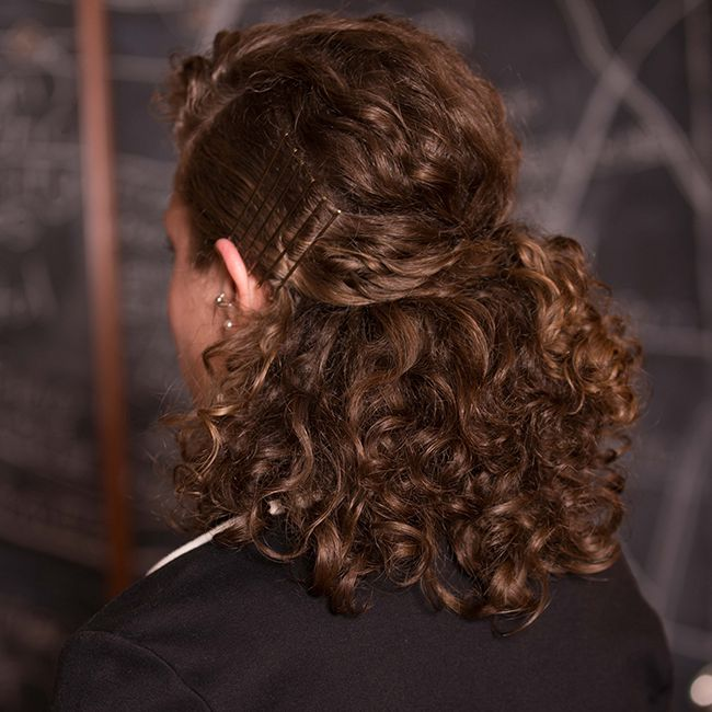 8 Professional Hairstyles For Curly Hair Naturallycurly Com