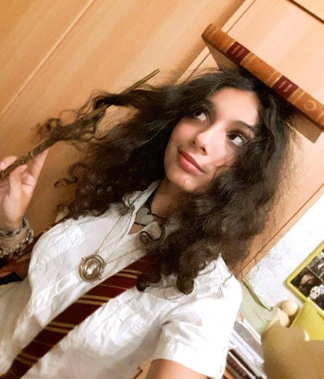 hermione curly halloween costume