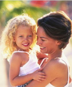 5 Bonding Activities for Curly Mommy & Daughter