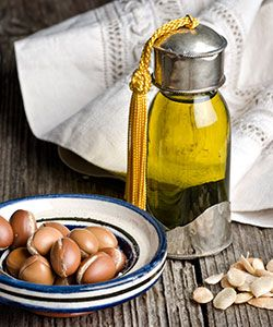 What can Argan Oil do for dry, textured hair?