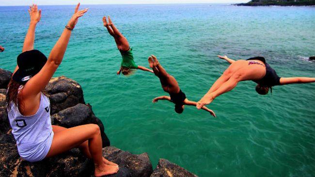 diving people
