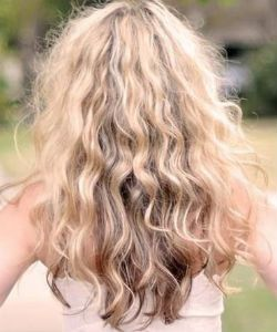 How To Maintain Definition On Wavy Hair