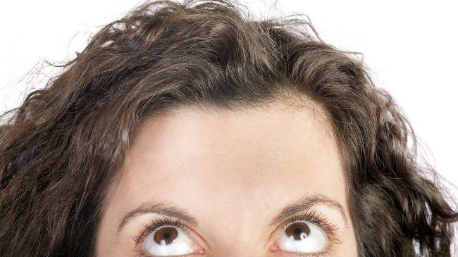 forehead curly hair