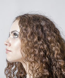 "How to ""Debulk"" Curly Hair"