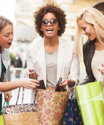 5 Things I Hate about Shopping With Non-Curlies