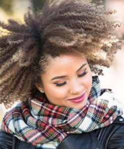 4 Tips to Keep Your Ends Moisturized This Winter