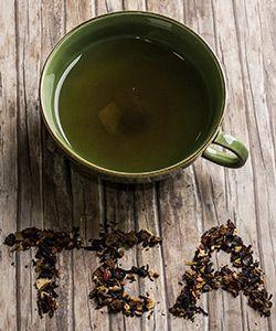 How to Do a Tea Rinse for Longer, Stronger Hair