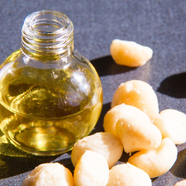 macadamia oil benefits for hair