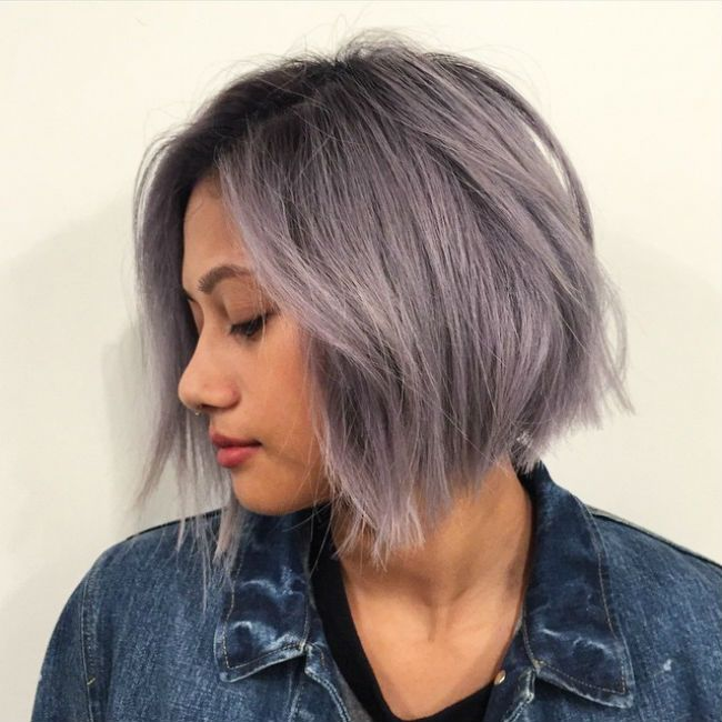 Pure Gray Hair Color With Slightly Wavy The Balayage Hairstyle Is So Good