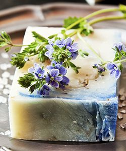 Why This DIY Shampoo Bar Is Better Than Your Shampoo