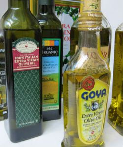 This is Why Everyone Loves Using Extra Virgin Olive Oil...On Their Hair