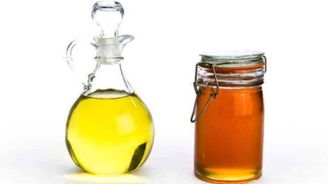 honey and oil for frizz fighting hair mask