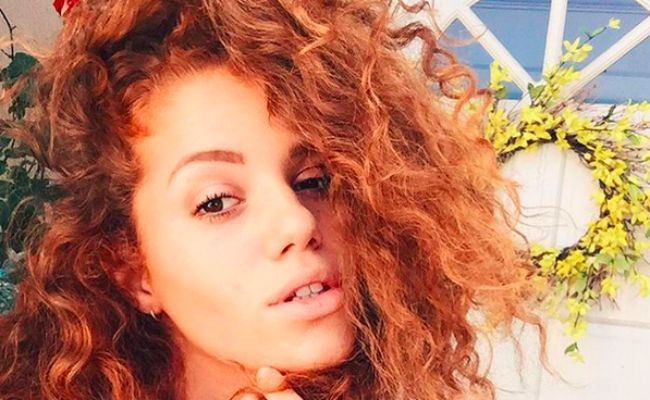 How To Win Red Curly Hair This Fall Naturallycurly Com