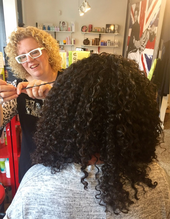 The Top Cg Tips For Styling Curly Hair According To An Expert Naturallycurly Com