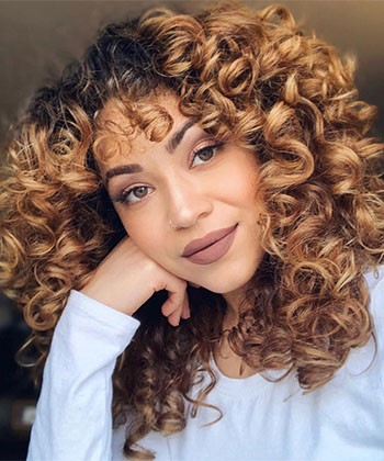 How to Use Mousse for Defined, Voluminous Curls