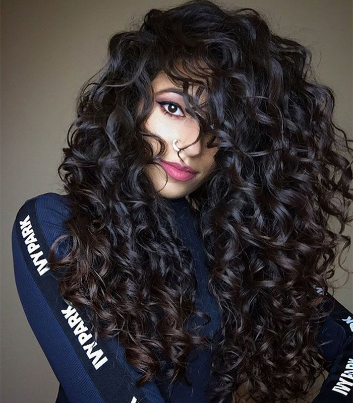 This Is How Ayesha Styles Her Long Wavy Hair Naturallycurly Com