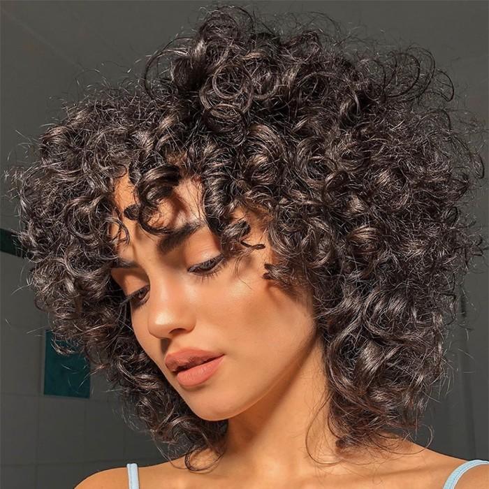 oiling scalp 700