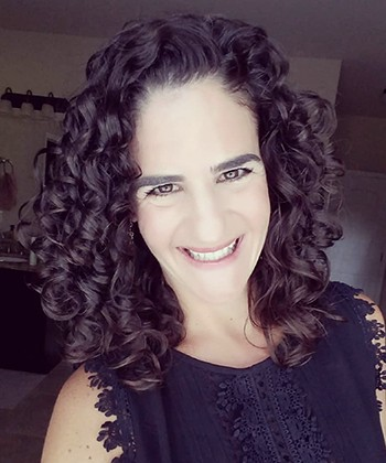 Texture Tales: Renee Shares Her Journey to Embracing her 3b Curls