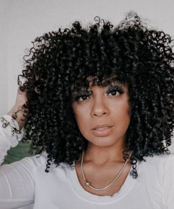 Texture Tales: Stephanie on Embracing Her Curly Hair as a Dominican Woman