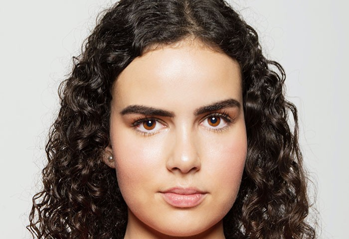 How Can I Get the Top of My Hair to Curl Like the Bottom?