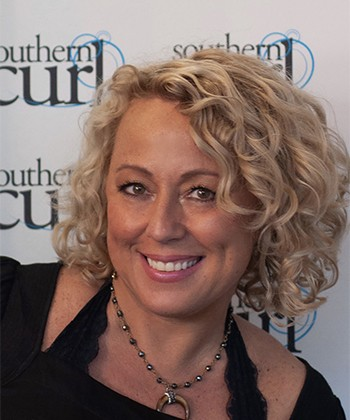 Curl Expert, Robin Sjoblom Shares the Top Tips for Caring for Naturally Curly Hair