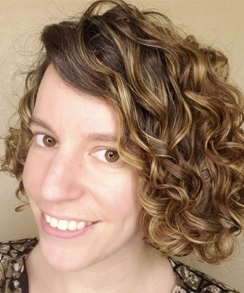 Texture Tales: Leah Shares Her Curly Girl Journey to Embracing her Wavy Hair