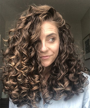 Texture Tales: Jackie Shares Her Curly Hair Journey & Styling Tips for Definition