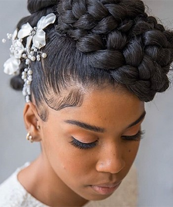 20 Gorgeous Natural Hairstyles for a Wedding