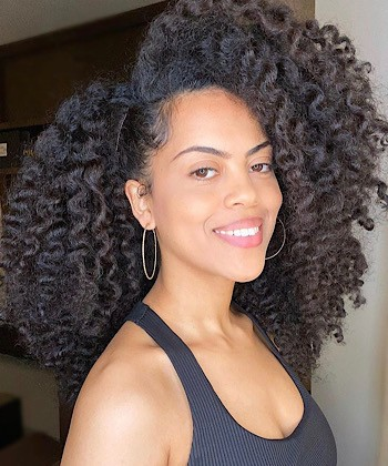 8 Foods to Eat That Encourage Curly Hair to Grow Faster