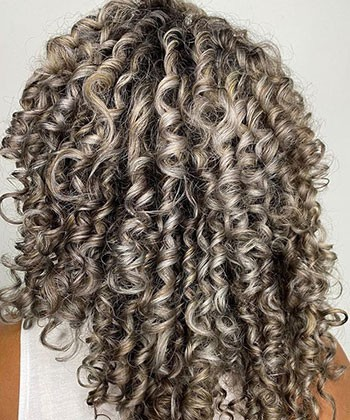 15 Photos of Dreamy Silver Curls, Coils, and Waves