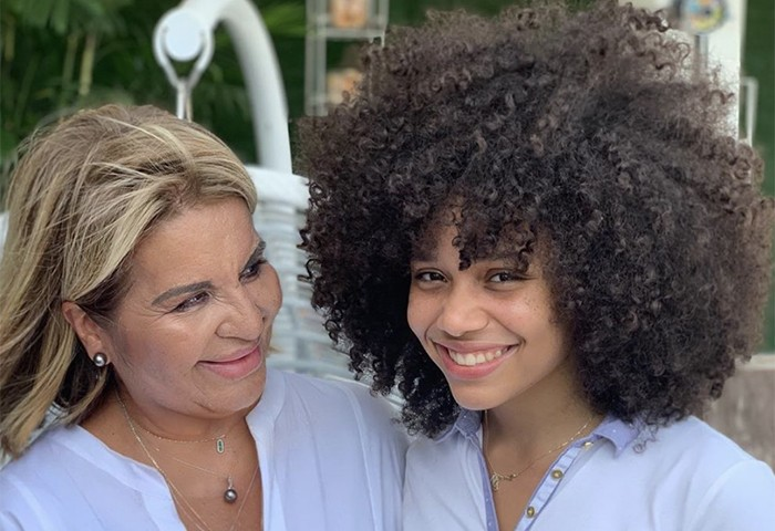 Nubia Suarez Shares Her Secrets to Cutting Curly Hair with her Signature Technique, the Rezo Cut