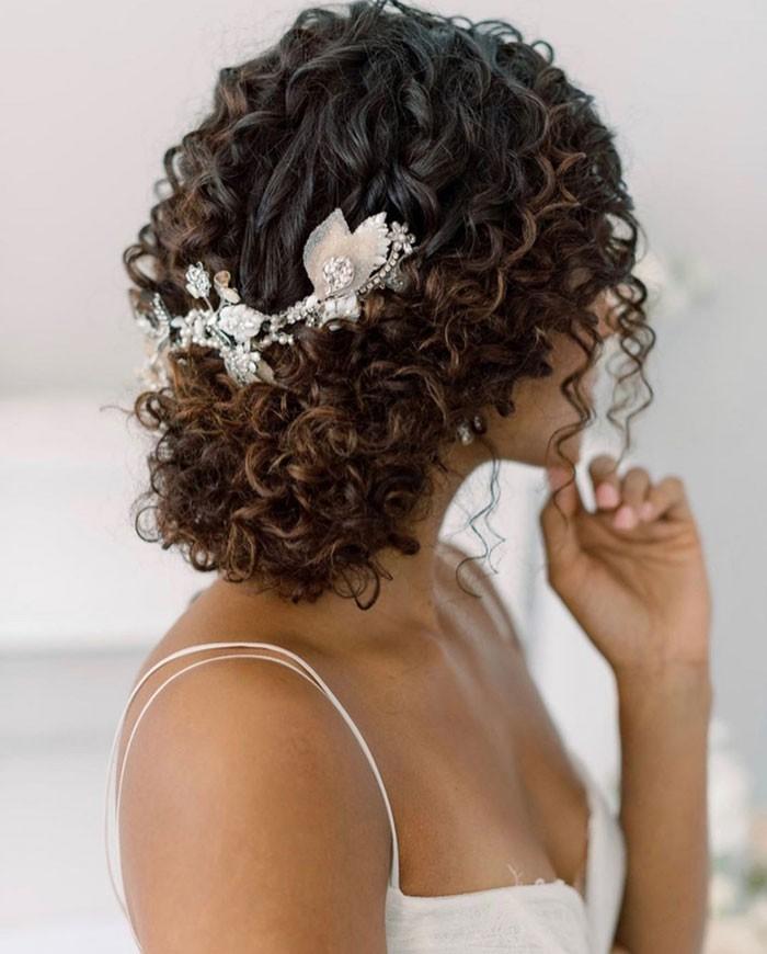 curly-wedding-hair-1