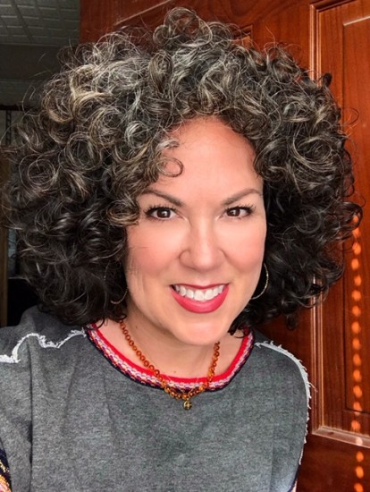 Going Gray, and liking it! 3a Out Wash and Go #curlygirlmethod #curlygirl #embraceyourcurls #embraceyourgray #graypride #grombe #goingray #silvercurls