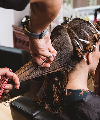 Hair Stylists Vs. YouTubers: the Fine Line of Expertise
