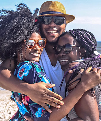 How Every Naturalista Can Avoid Sun Damage All Year Long