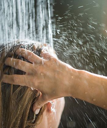 This is the Best Water Temperature to Wash Your Hair