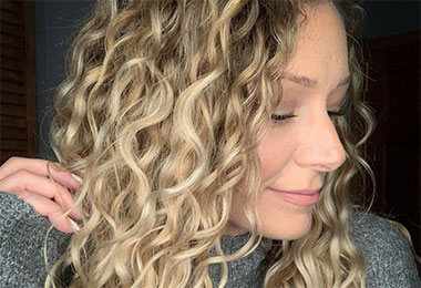 What Humidity, Humectants and Dew Points Mean for Curly Hair